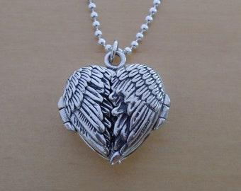 925 Sterling Silver Open Angel Wings Love HEART Photo Locket Pendant on 19