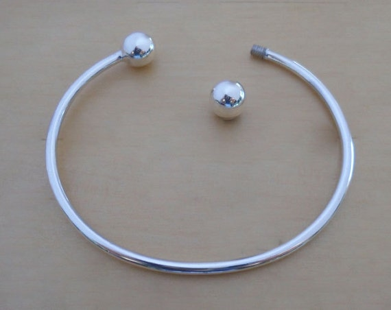 Solid Sterling Silver Ball-End Round Torque Bangle .925 Sterling Silver Bracelet