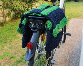 Crochet saddlebags for bicycle, convertible in shoulder bag. Bike panniers. Blue and green.