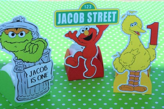 12 PERSONALIZED SESAME STREET Mini Candy Holders, Forminhas para