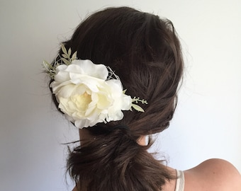 Ivory Bridal Hair Comb- Ivory Flower Comb- Floral Wedding Headpiece- Peony Floral Clip- Wedding Hair Comb- Bridal Headpiece-Flower Hair Comb