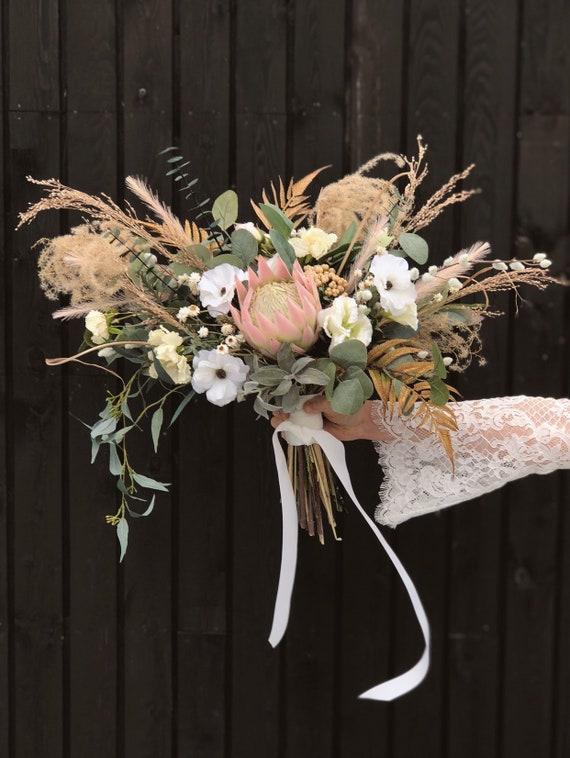 Konig Protea Bouquet Mit Getrockneten Blumen Und Eukalyptus Etsy