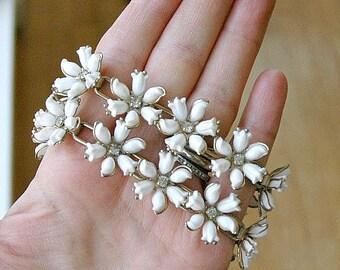 Vintage White Flower Plastic and Rhinestone Double Strand Bracelet Mid Century Beauty