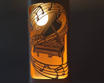Baby grand piano lamp