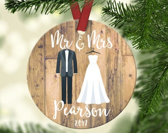 MR & Mrs Ornament.Our first Christmas.Newly wed gift.Wedding gift.Christmas Gift.Personalized gift.Custom Christmas ornament