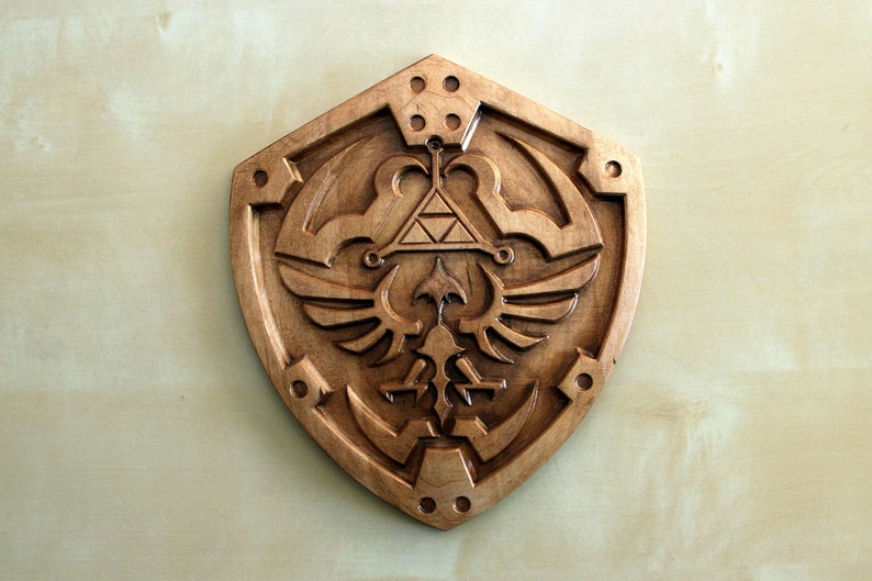 Wooden Hylian Shield 9 x 8 image 0