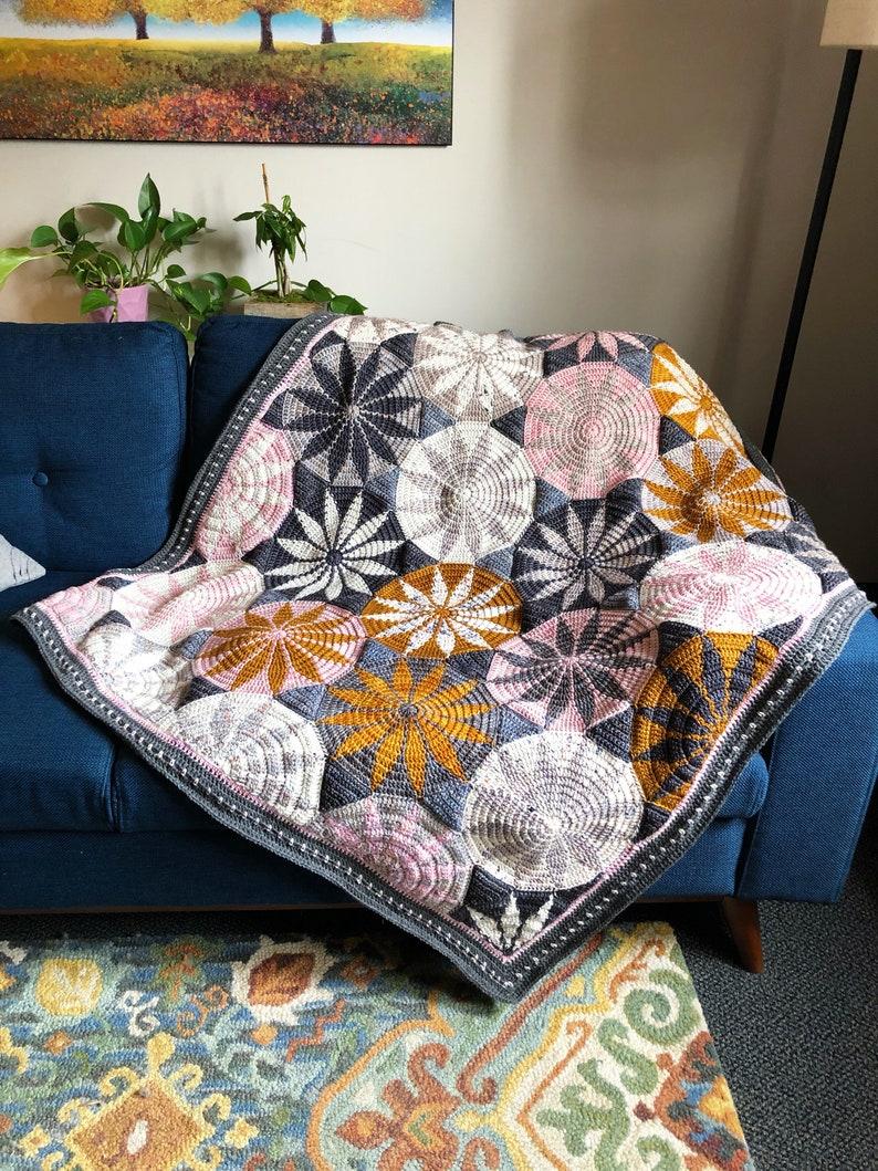 Marguerite Crochet Blanket image 1