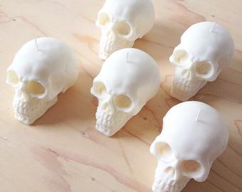 'White Xmas' Skull Candle