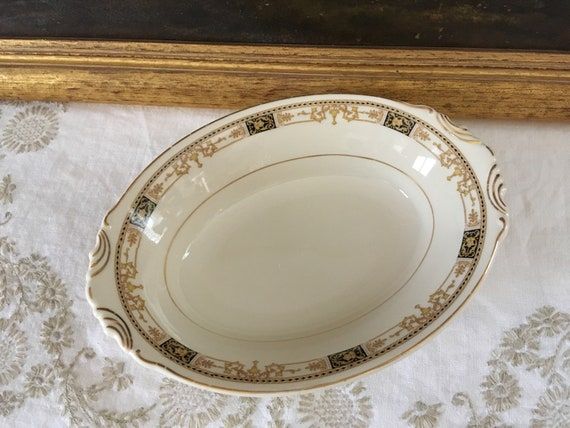 Vintage White and Gold Syracuse Old Colony Covered Serving Dish Oval