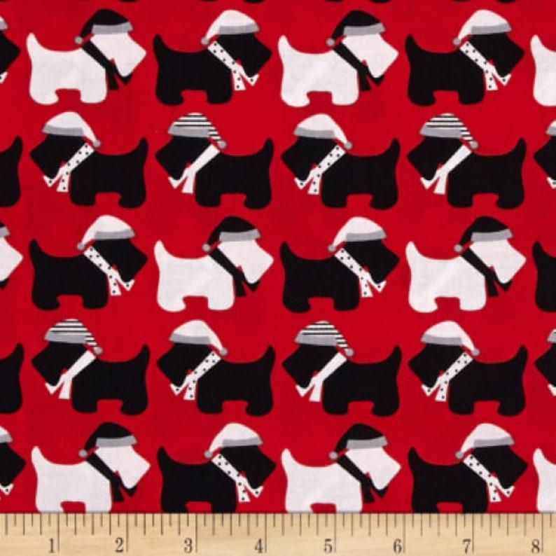 Black Dogs Multi Robert Kaufman FQ Fat Quarter Fabric 100/% Cotton Quilting