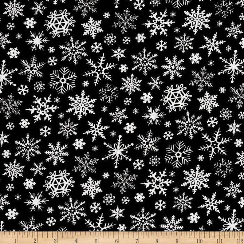 Blue Christmas Dogs FQ Fat Quarter Fabric Glitter Hohoho 100/% Cotton Quilting