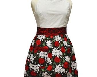 Plus Size Skulls and Roses Apron with Black Lace, Red Roses, Skull & Crossbones, Plus Size Clothing, Delantal, Gift for Women