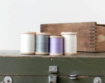 Vintage wooden spools Thread spools Vintage sewing supplies Sewing room decor Photo prop Collectibles - set of 4