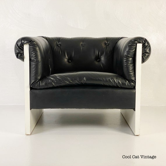 Upholstered Lounge Chair by Lane, Circa 1976 - *Please see notes on shipping before you purchase.