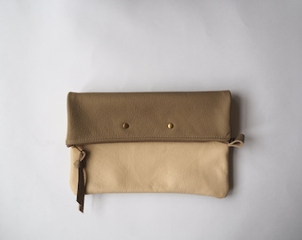 Leather Pouch Clutch Wallet - Foldable Clutch - Women's Bag - Everyday Clutch - Women's Pouch -Women's Bag -Sustainable Material -Functional