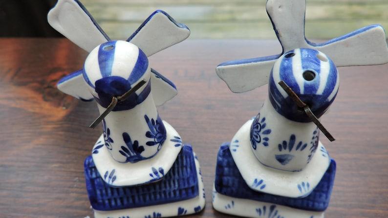 Vintage Delft Blue Windmill Salt /& Pepper Shakers