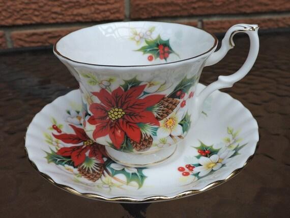 "Royal Albert /""Poinsettia/"" Christmas Tea Cup and Saucer England"