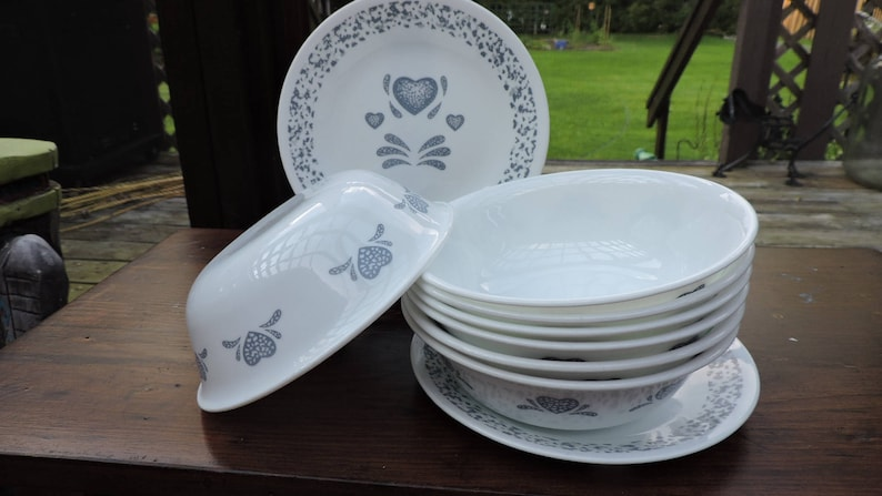 11pc Corning Corelle  BLUE HEARTS Cereal or Soup Bowls Salad Plates