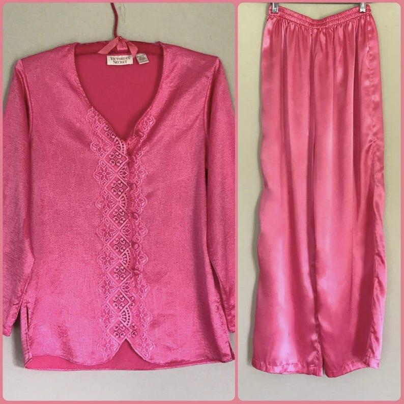 12bdac7b5edc6 Pajama Set Victoria's Secret PJs Vintage Clothing Deep Rose Pink Satin Lace  Covered Buttons