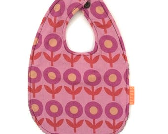 Several bibs with print