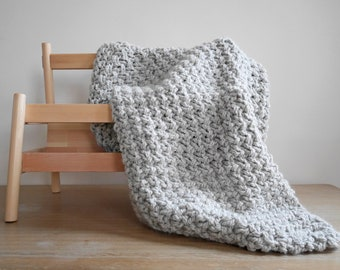 Easy chunky knit blanket pattern, small knit throw, knitting pattern blanket