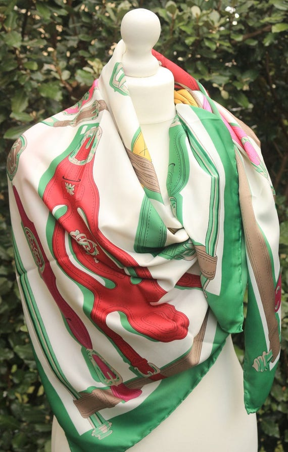French chic 44x 44 Foulard Carré Cache-nez Silk  5177d5a768daf