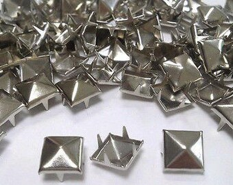 50//100pcs Square Metal Pyramid Studs for Clothing Shoes Bags Purses Decoration