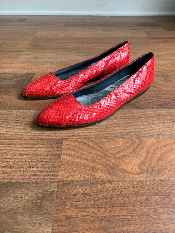 90s Shoes - Vintage 1990's Impo Red Snakeskin Poin