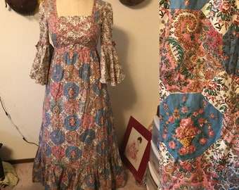 1970's prairie girl bohemian hippie maxi dress with flutter sleeves