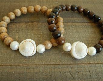 Seashell and freshwater pearl wood bead bracelet, boho bracelet, summer jewelry