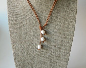 Freshwater pearl lariat leather necklace , beach chic, boho style, summer fashion, layering necklace, leather and pearls
