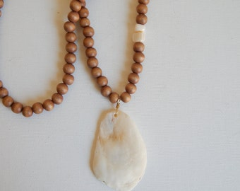 Long white clamshell necklace with shell and wood beads, beach chic, resort wear jewelry, bohemian style, beach boho, summer fashion