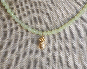 Light green jade beads with gold pineapple charm, pineapple necklace, summer jewelry, boho chic necklace, dainty necklace