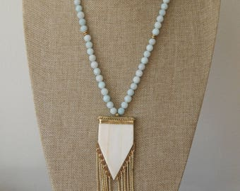 Amazonite necklace with beige arrowhead fringe pendant, bone arrowhead, long necklace, boho chic, beach boho necklace, fringe necklace