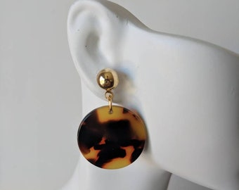 Brown tortoise shell pierced acetate earrings, circle coin earrings, trendy jewelry, boho chic jewelry, resin earrings, acrylic earrings