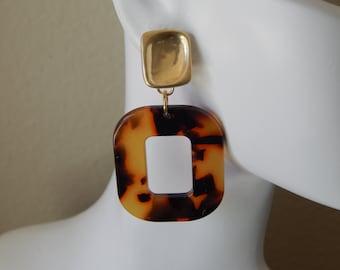 Brown tortoise shell acrylic earrings, geometric earrings, trendy jewelry, boho chic jewelry, resin earrings