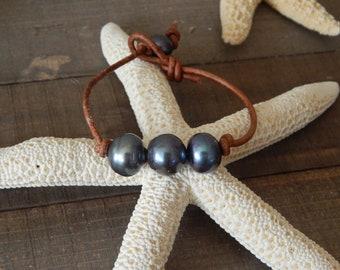 Triple pearl leather bracelet, boho style jewelry, pearl on leather, beach boho, festival chic jewelry, greek leather, summer jewelry