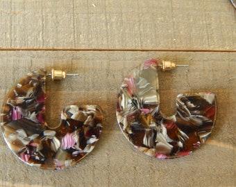 Multicolor tortoise shell acrylic hoop earrings, circle earrings, trendy jewelry, boho chic jewelry, resin earrings
