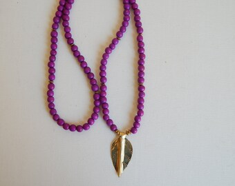 Beaded wood necklace with brass leaf pendant, purple beads, beach boho, bohemian style, layering necklace, summer fashion