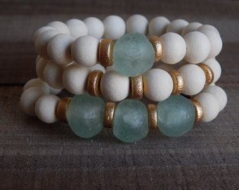 White wood stretch bracelets with recycled glass, african glass, bracelet set, beach chic, neutral, summer fashion, ocean inspired