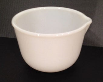 GLASBAKE Mixing Bowl White Glass Small Mixing Bowl for Sunbeam w/Spout - Excellent (Ref #76)