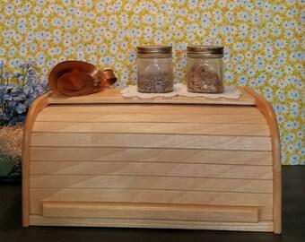 Vintage Bread Box, Wooden Rolltop Breadbox, Bread Storage Box, Kitchen  Storage, Kitchen Decor