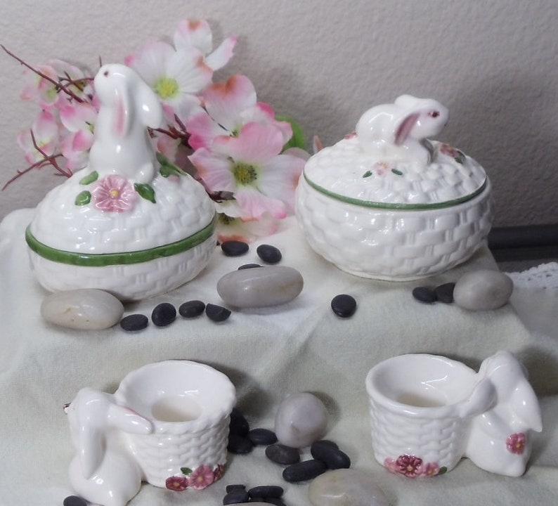2 Covered Bowls and 2 Candle Holders w Bunnies and Flowers,1982,!!!,#VB7423 Vintage Avon Ceramic 6 Piece Set