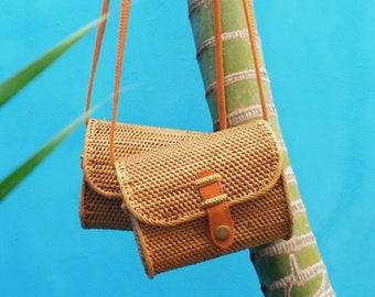 Woman's Rattan Bag. Straw Bag. Round Rattan Bag. Round Straw Bag. Rectangle Rattan Bag.