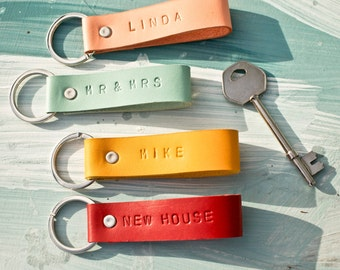Personalised Leather Keyring, handmade leather keychain, Gift for her, Gifts for him, Fathers Day, Custom keychain, FREE UK Delivery