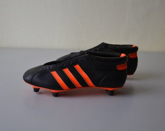38cb98b9fc9 Vintage soccer shoes ADIDAS Mondial made in France   french football cleats    80s 90s   shoe size 5.5