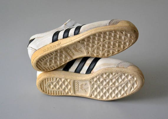 Paire de tennis ADIDAS GYM made in France sneakers vintage années 80 chaussures enfant pointure 31