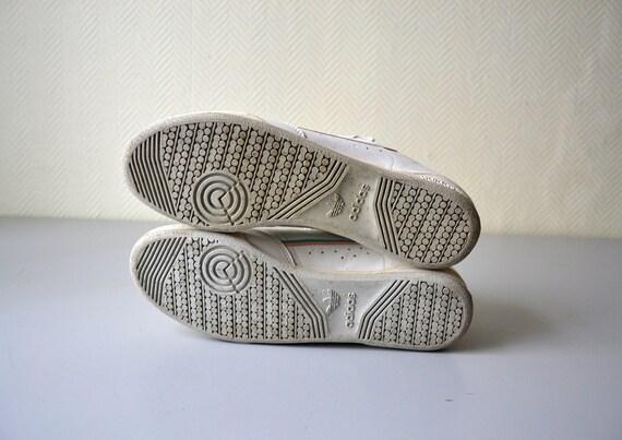 Paire de tennis ADIDAS vintage chaussures sneakers fabriquées en France dans les années 80 pointure 41.5