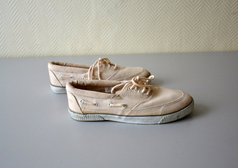Paire de tennis en toile WORLD CUP sneakers vintage skateboard bateau plage années 80 pointure 41