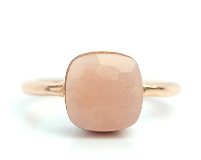 Sucrée Collection | Ring | Peach Moonstone | Small Model